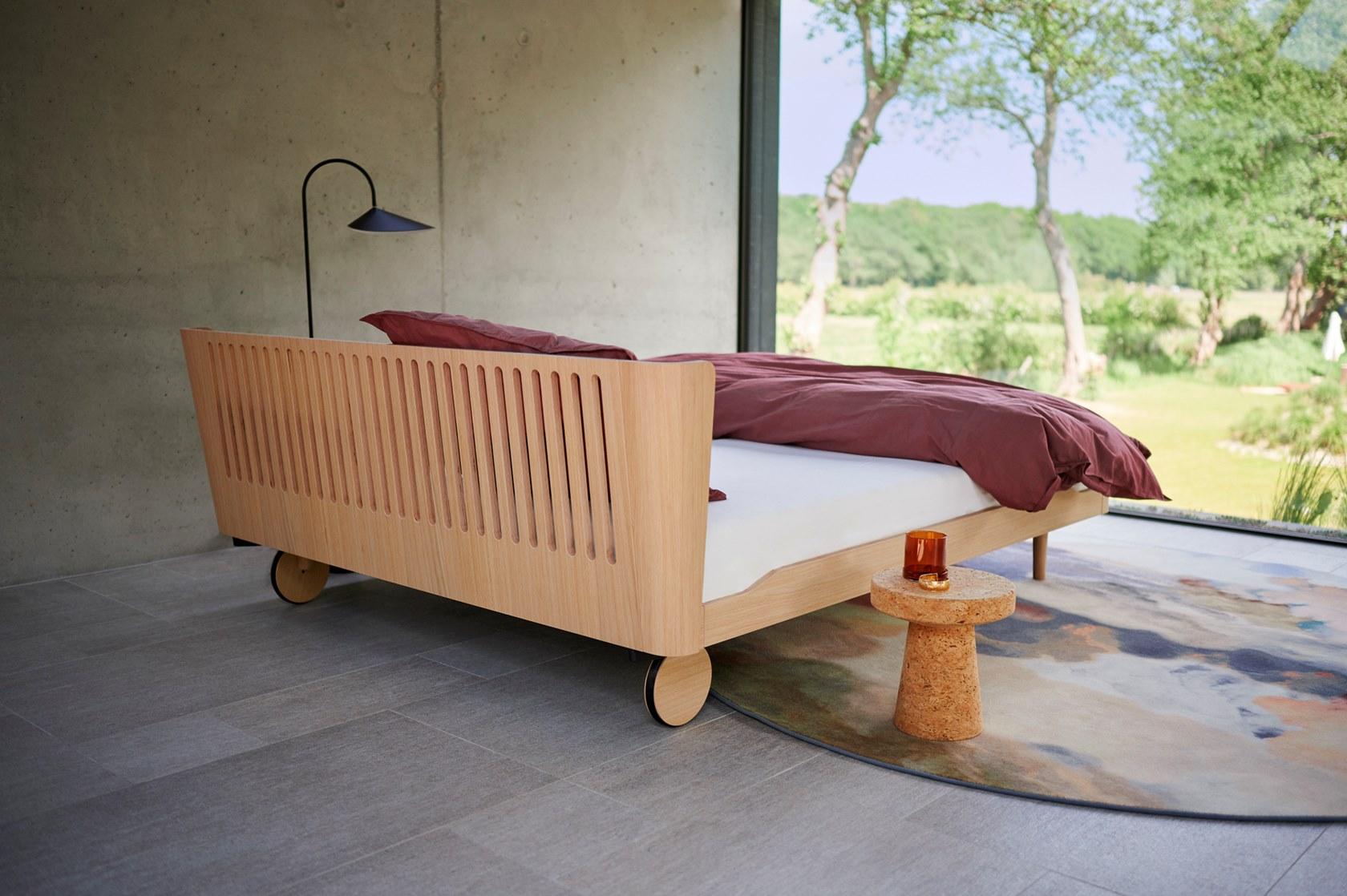 2b NOA Bed on castors Auping 472313 rele16153f6 i Vigna