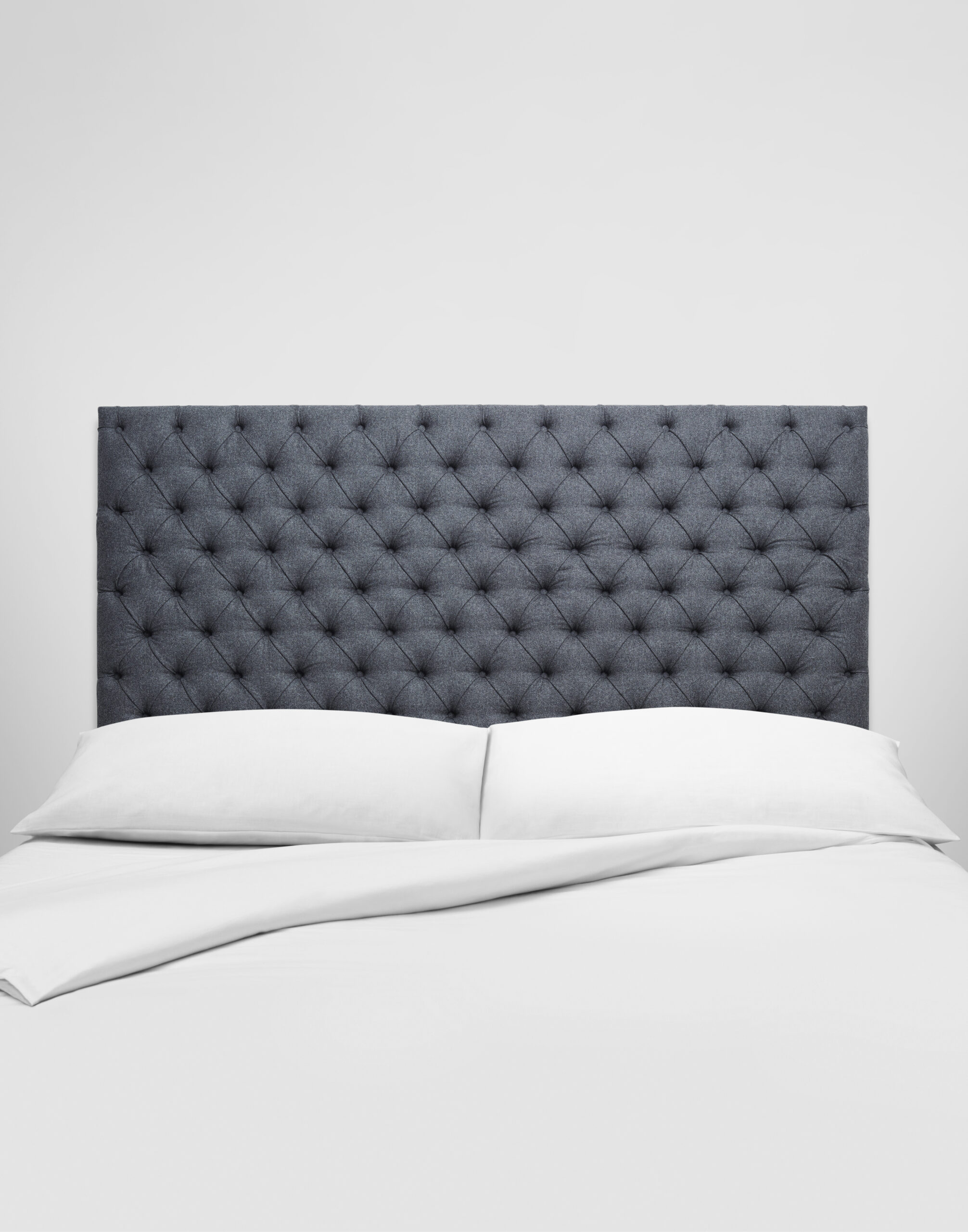 Aldo bed portrait scaled i Vigna